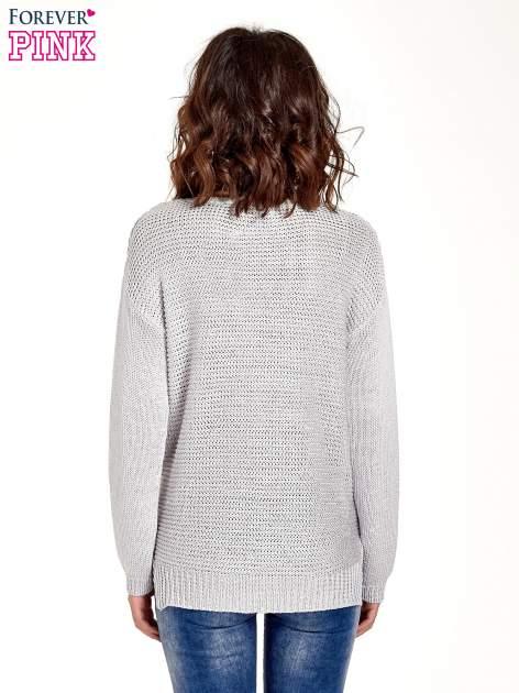 Szary sweter o większych oczkach                                  zdj.                                  2