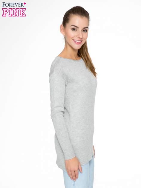 Szary sweter z dłuższym tyłem i rozporkami po bokach                                  zdj.                                  3