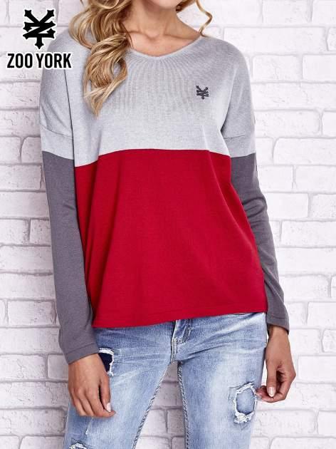 Szary sweter z trójkątnym dekoltem                                  zdj.                                  1