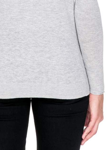 Szary sweterek kardigan o kaskadowym fasonie                                  zdj.                                  7