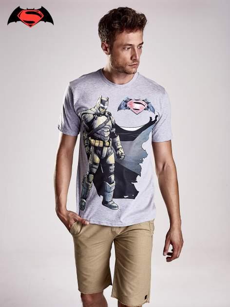 Szary t-shirt męski z nadrukiem BATMAN V SUPERMAN                                  zdj.                                  1