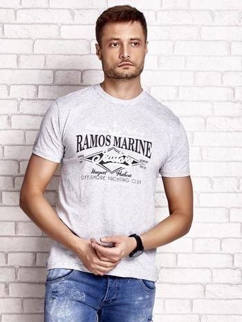 Szary t-shirt męski z napisami i kotwicą                                  zdj.                                  2