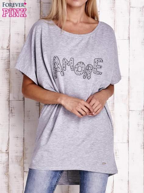Szary t-shirt z biżuteryjnym napisem AMORE                                  zdj.                                  1