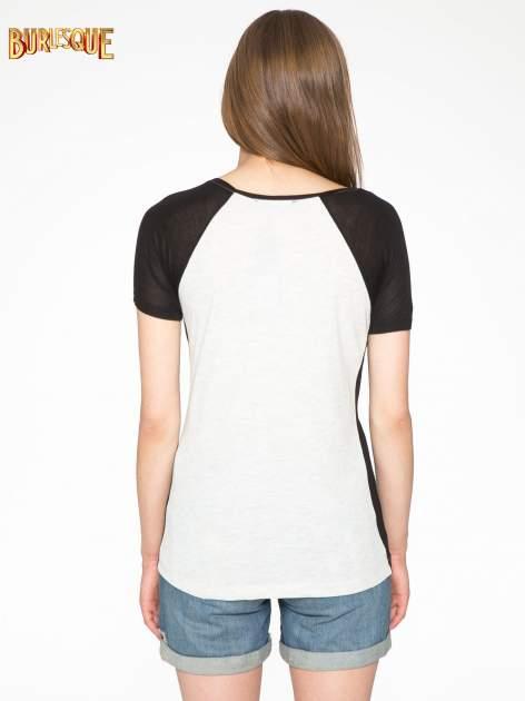 Szary t-shirt z błyszczącym nadrukiem NYC                                  zdj.                                  4
