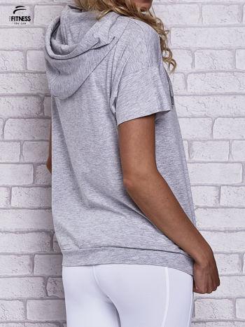 Szary t-shirt z kapturem i napisem WORK IT                                  zdj.                                  5