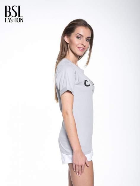 Szary t-shirt z modowym napisem CÉLINE PARIS                                  zdj.                                  3