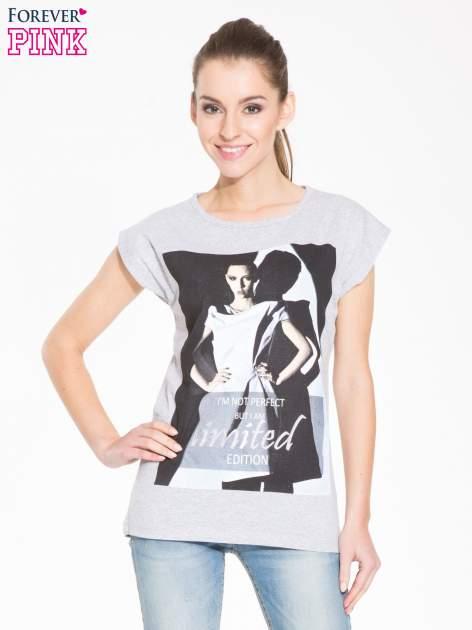 Szary t-shirt z nadrukiem I'M NOT PERFECT BUT I AM LIMITED EDITION