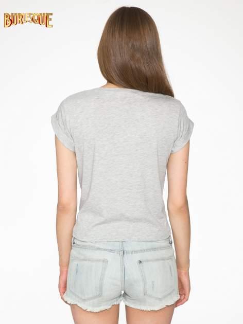 Szary t-shirt z nadrukiem Stich                                  zdj.                                  4