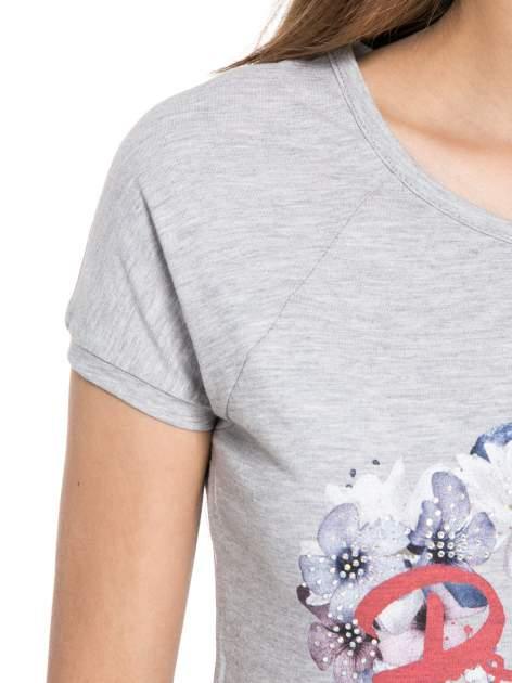 Szary t-shirt z nadrukiem kwiatowym PRETTY GIRL                                  zdj.                                  5