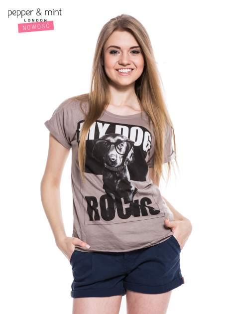 Szary t-shirt z nadrukiem psa w nerdach