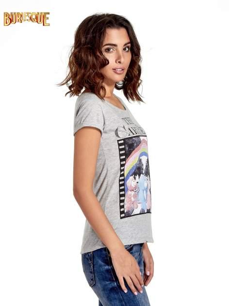 Szary t-shirt z nadrukiem troskliwych misiów                                  zdj.                                  3