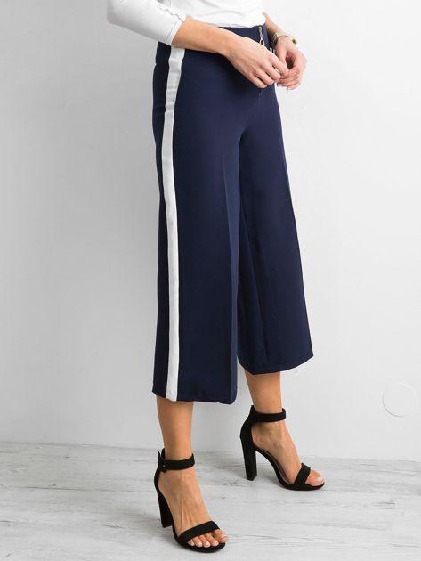 Szerokie spodnie z lampasami granatowe                              zdj.                              3