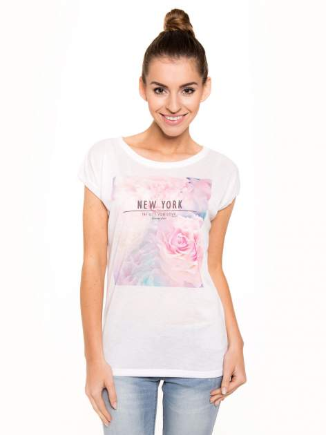 T-shirt NEW YORK z pastelowym floral printem                                  zdj.                                  2