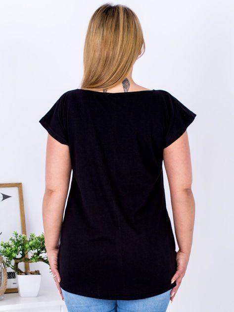 T-shirt czarny z nadrukiem boho PLUS SIZE                              zdj.                              2