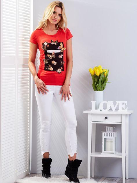 T-shirt czerwony z motylami                              zdj.                              4
