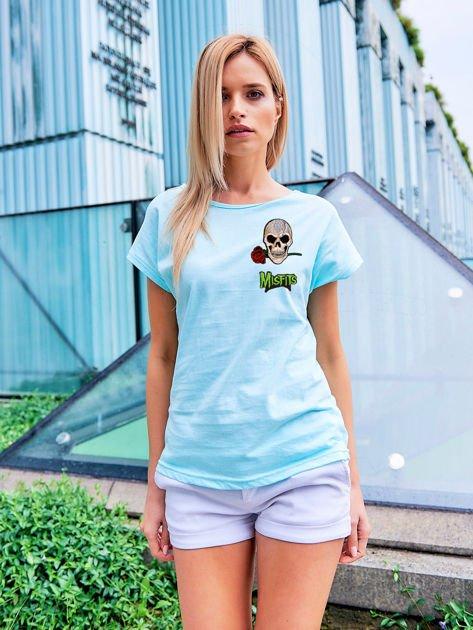 T-shirt damski jasnoróżowy z naszywkami MISFITS                              zdj.                              1