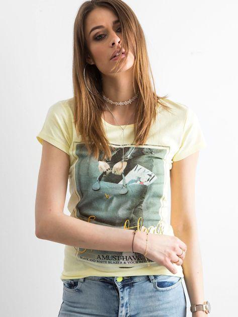 T-shirt damski z bawełny z nadrukiem żółty                              zdj.                              1