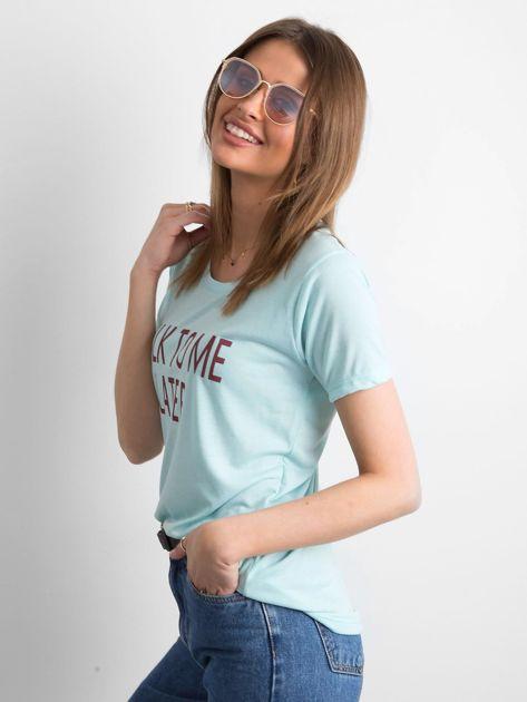 T-shirt damski z napisem miętowy                              zdj.                              3