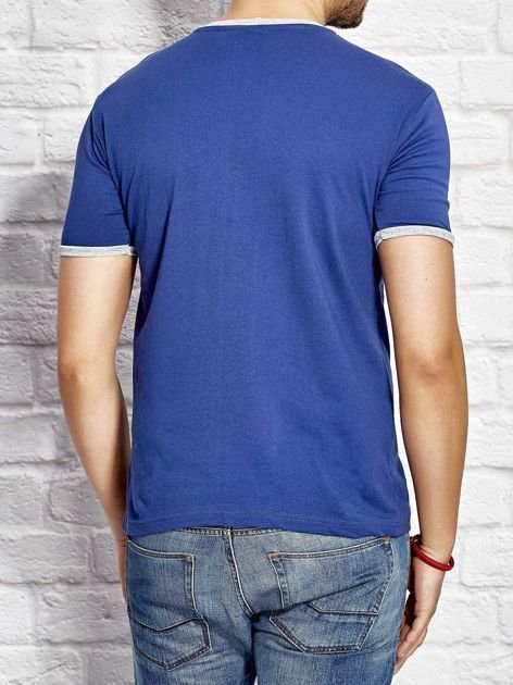 T-shirt męski z tekstowym nadrukiem ciemnoniebieski                              zdj.                              2