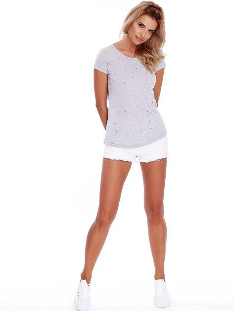 T-shirt szary z perełkami                              zdj.                              4