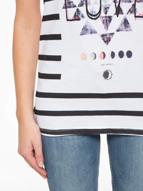 T-shirt w biało-czarne paski z napisem LOVE                                  zdj.                                  7