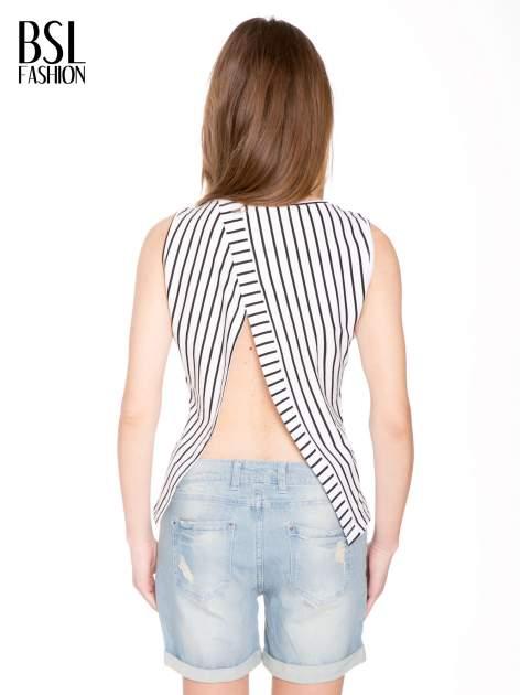 T-shirt w biało-czarne paski z odkrytym tyłem                                  zdj.                                  4