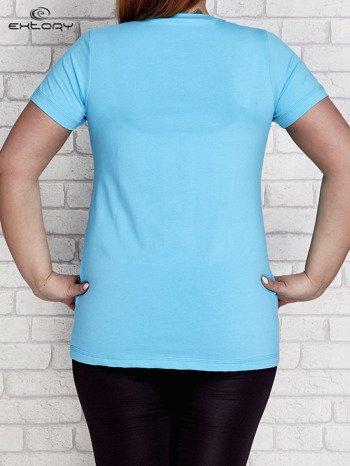 T-shirt z kieszonką jasnoturkusowy PLUS SIZE