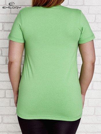 T-shirt z kieszonką jasnozielony PLUS SIZE