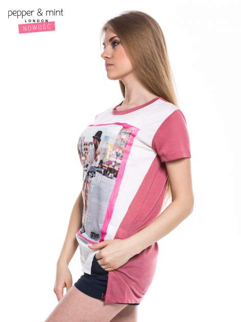 T-shirt z nadrukiem modelki i dłuższym tyłem                                  zdj.                                  2