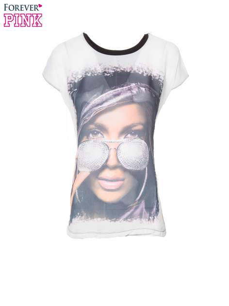 T-shirt z nadrukiem w stylu glam i czarnym tyłem                                  zdj.                                  2