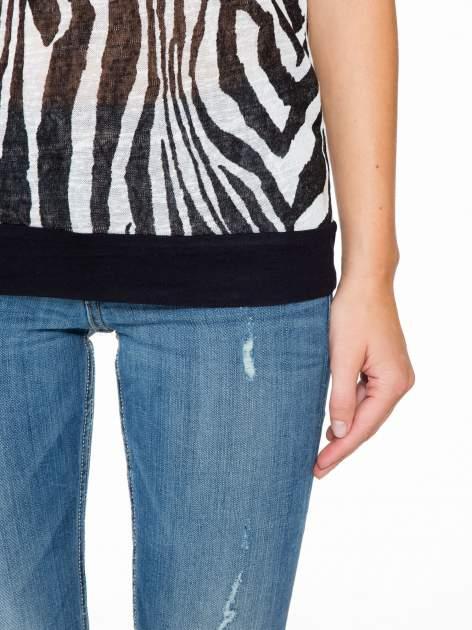 T-shirt z nadrukiem zebry i ażurowymi rękawami                                  zdj.                                  8