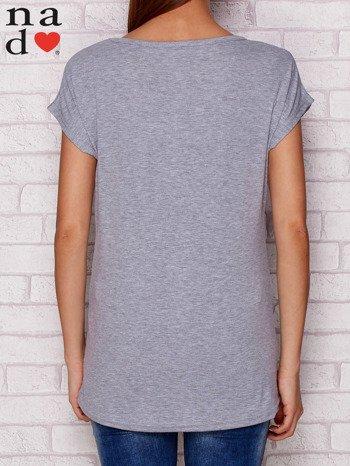 T-shirt z napisem SŁODKA WARIATKA szary