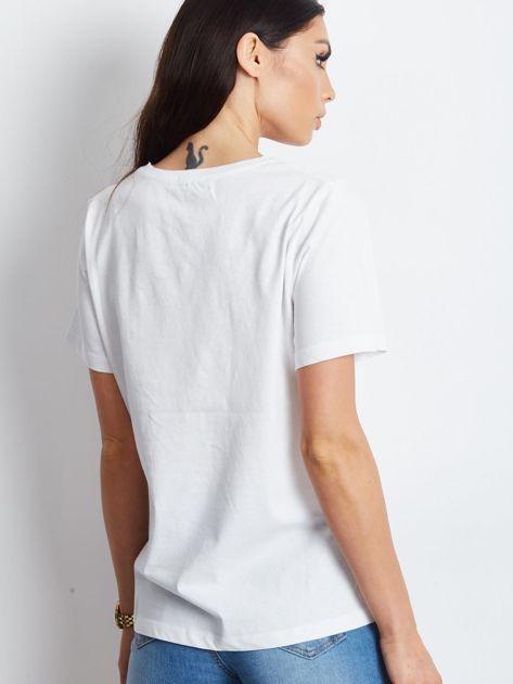 T-shirt z naszywką biały                              zdj.                              2