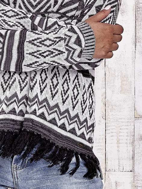TOM TAILOR Biały sweter w etnicznym stylu z frędzlami                                   zdj.                                  6