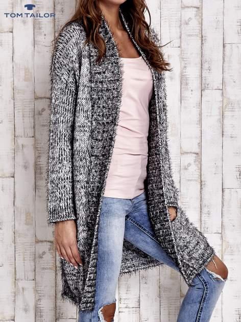 TOM TAILOR Czarny włochaty sweter z kieszeniami                                  zdj.                                  4
