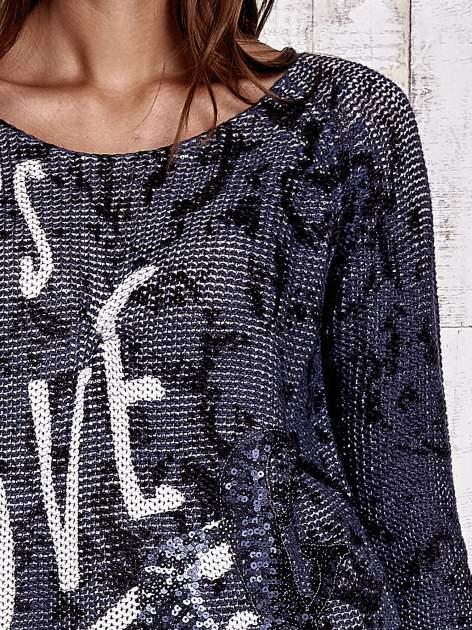 TOM TAILOR Granatowy sweter z literowym nadrukiem i cekinami                                  zdj.                                  6