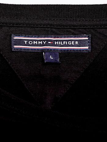 TOMMY HILFIGER Czarny t-shirt męski z napisem 85                                  zdj.                                  4