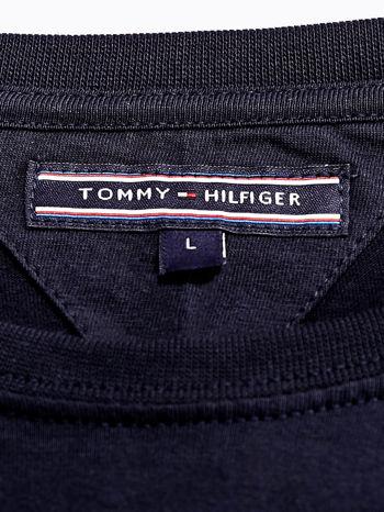 TOMMY HILFIGER Granatowy t-shirt męski z napisem 85                                  zdj.                                  4