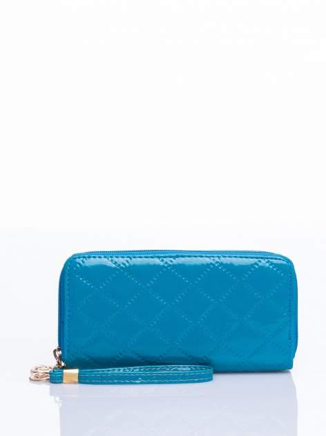 Turkusowy lakierowany pikowany portfel