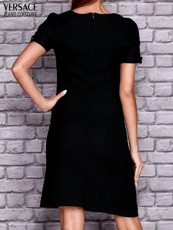 VERSACE Czarna sukienka z przeszyciami                                  zdj.                                  3