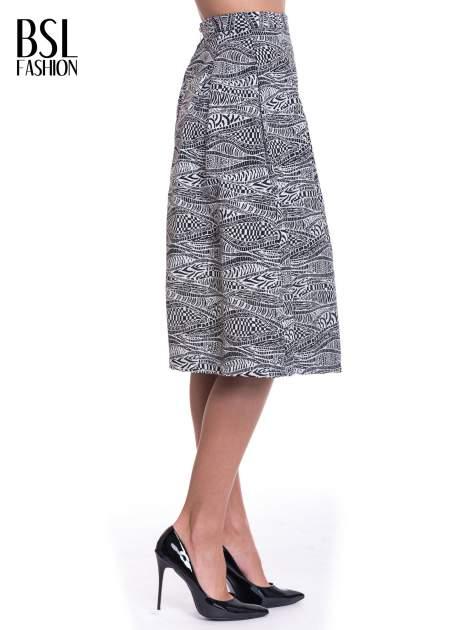 Wzorzysta biało-czarna spódnica midi                                  zdj.                                  3