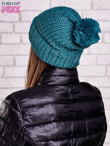 Zielona czapka z metaliczną nicią i pomponem                                  zdj.                                  3
