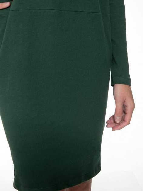 Zielona dresowa sukienka z nietoperzowymi rękawami                                  zdj.                                  7