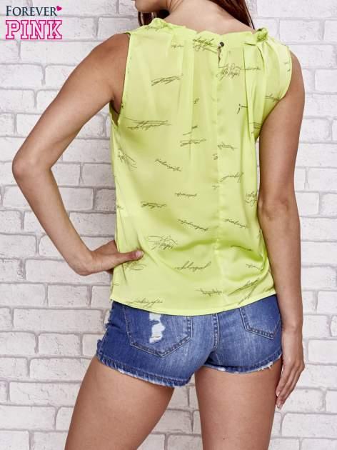 Zielona koszula z nadrukiem tekstowym                                  zdj.                                  2