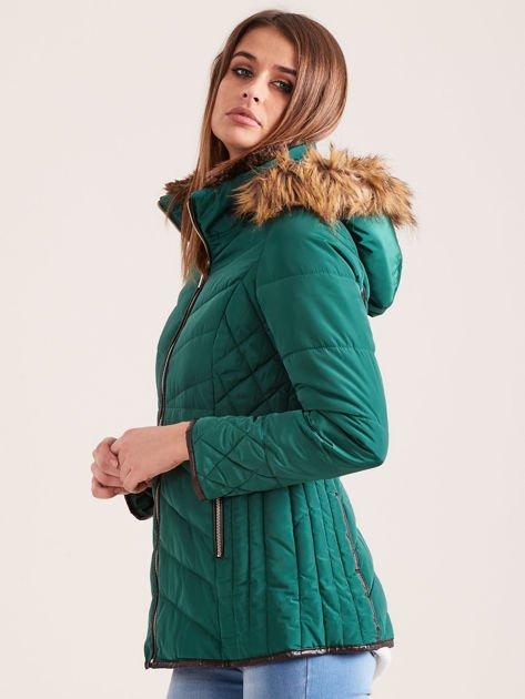 Zielona kurtka zimowa z futrzanym kapturem i kołnierzem                              zdj.                              3