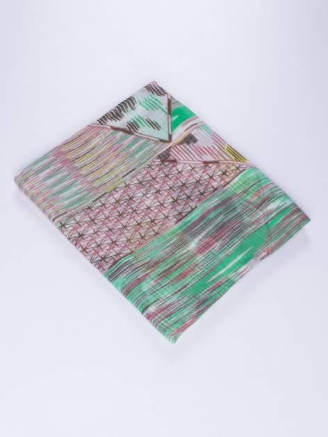 Zielona lekka chustka we wzór boho                                  zdj.                                  2