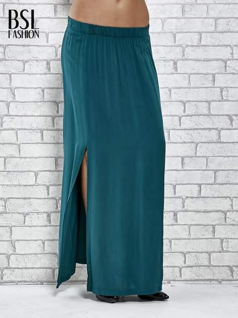 Zielona spódnica maxi z rozporkami z przodu                              zdj.                              1