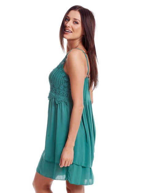 Zielona sukienka na cienkich ramiączkach                              zdj.                              3
