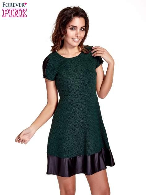 Zielona sukienka z czarną falbaną                                  zdj.                                  1