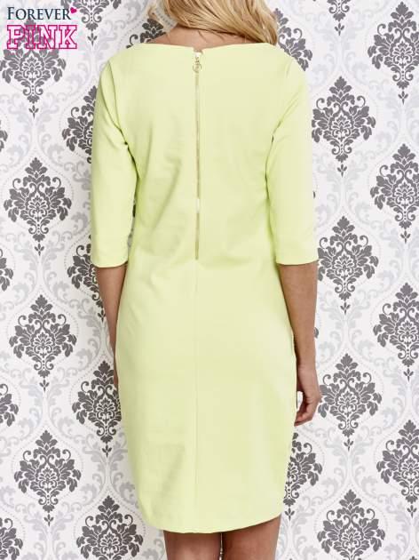 Zielona sukienka z dekoltem w łódkę                                  zdj.                                  4